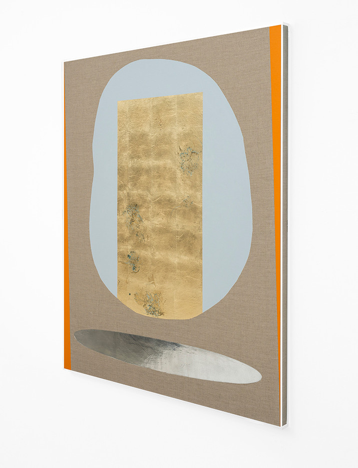 Pierre Vermeulen | Hair orchid sweat print, blue and orange with mirror pool (Side View) | 2018 | Sweat, Gold Leaf Imitate, Shellac and Acrylic on Belgian Linen | 150 x 120 cm
