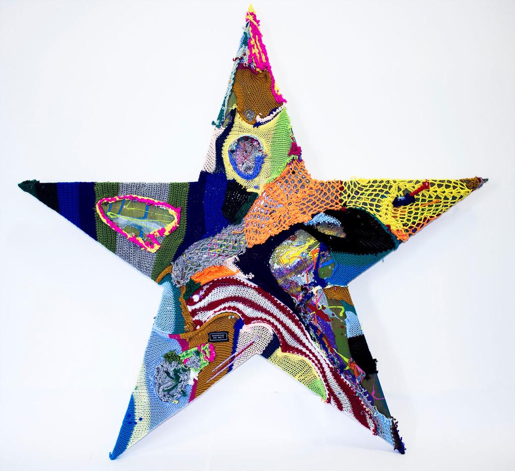 Barend De Wet | International Star III | 2015 | 100% Acrylic Knitting and Paint on Board | 101 x 114.5 cm
