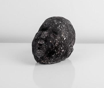 Johann Louw | Klein Kop | 2017 | Cement and Charcoal | 20 x 13 x 12 cm