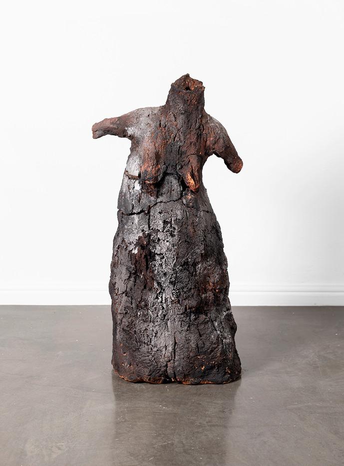 Johann Louw   Tannie Sarie op Vanziljlsplaas   2019   Kiln Fired Clay & Ash   80 x 40 x 31 cm