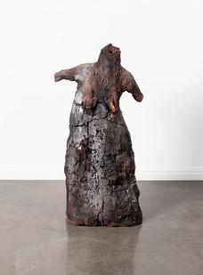 Johann Louw | Tannie Sarie op Vanziljlsplaas | 2019 | Kiln Fired Clay & Ash | 80 x 40 x 31 cm