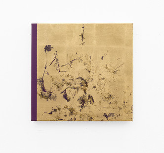 Pierre Vermeulen | Macro hair orchid sweat print, violet scape | 2018 | Sweat, Gold Leaf Imitate, Shellac and Acrylic on Belgian Linen | 47 x 45.5 cm