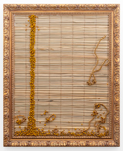 Simphiwe Buthelezi | Wangithelela uju (She poured me honey) I | 2019 | Straw Mat, Beadwork in Gilded Frame | 65 x 53 cm