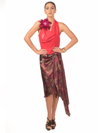 Red blouse in silk charmeuse and print rap around skirt