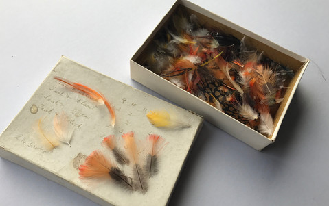 Mixture of feathers that came from Cheffins buyer with no packets - Box original