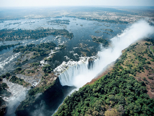 Водопад Виктория, на границе Замбии и Зимбабве