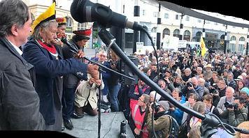 Bruxelles + foule marche pr le climat_edited.jpg