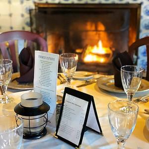 Dining Fireside - 76 House