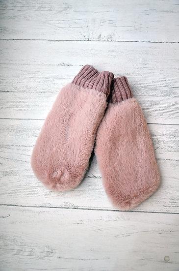 Rino & Pelle Pink Faux Fur Mittens