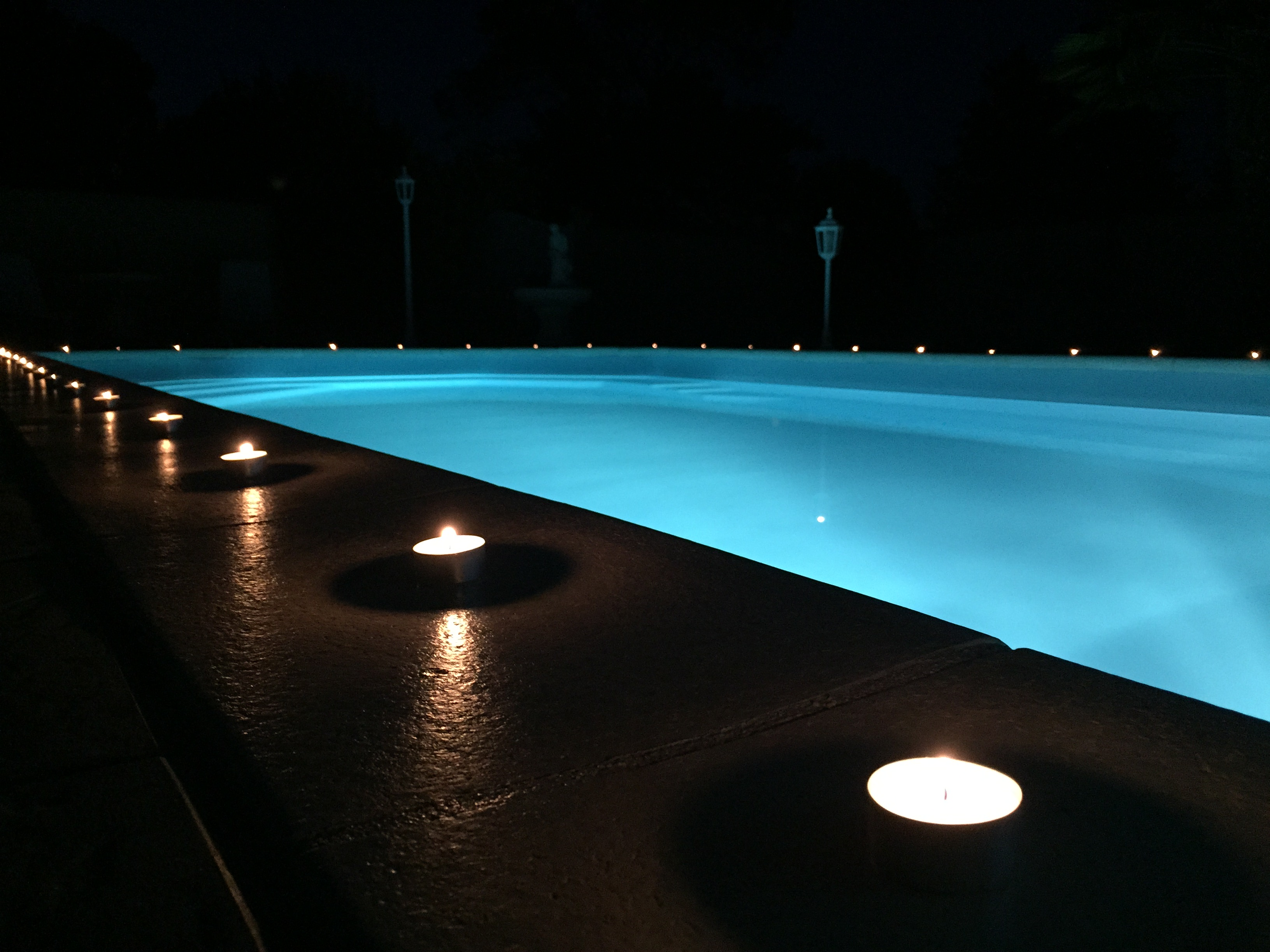 Gite piscine 6 personnes à Beaun.JPG