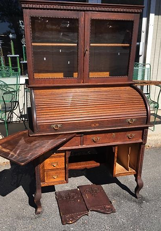 OFFICE  O19 CYLANDER ROLL DESK. JE Antiques antique office furniture St Paul MN