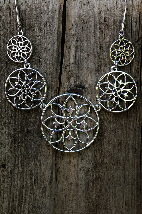 Filigree Circle Fan Necklace