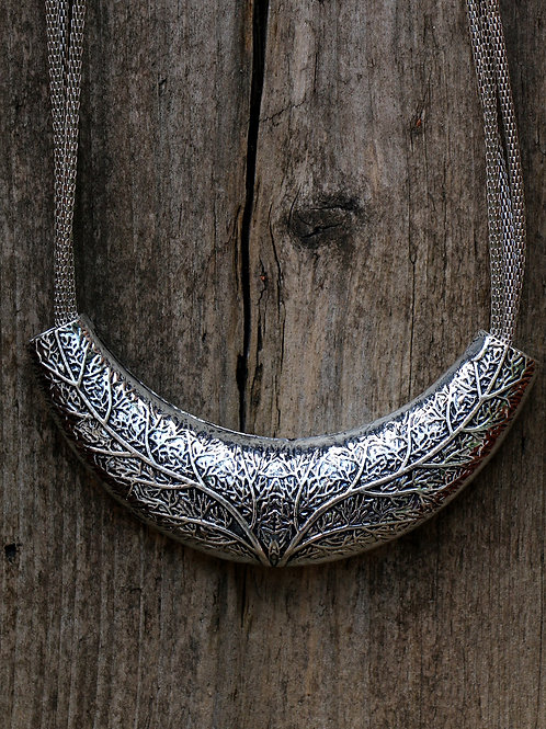 Leaf Pattern Necklace