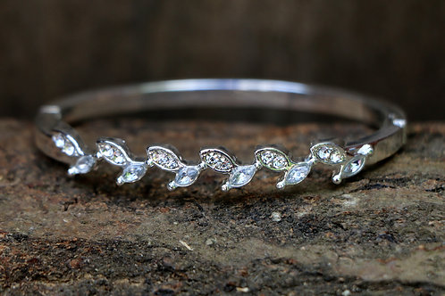 Diamante Leaf Bracelet