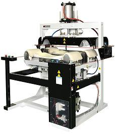 Очень быстрая машина для обработки больших объемов манжетов и воротников.