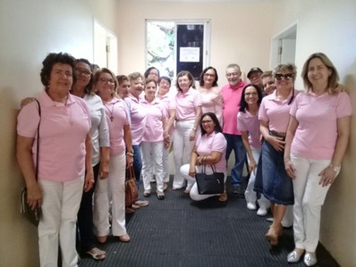 Rede Feminina realiza entrega de cadeira