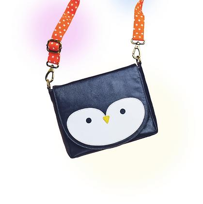 AMORINA Tasche Polly Pinguin