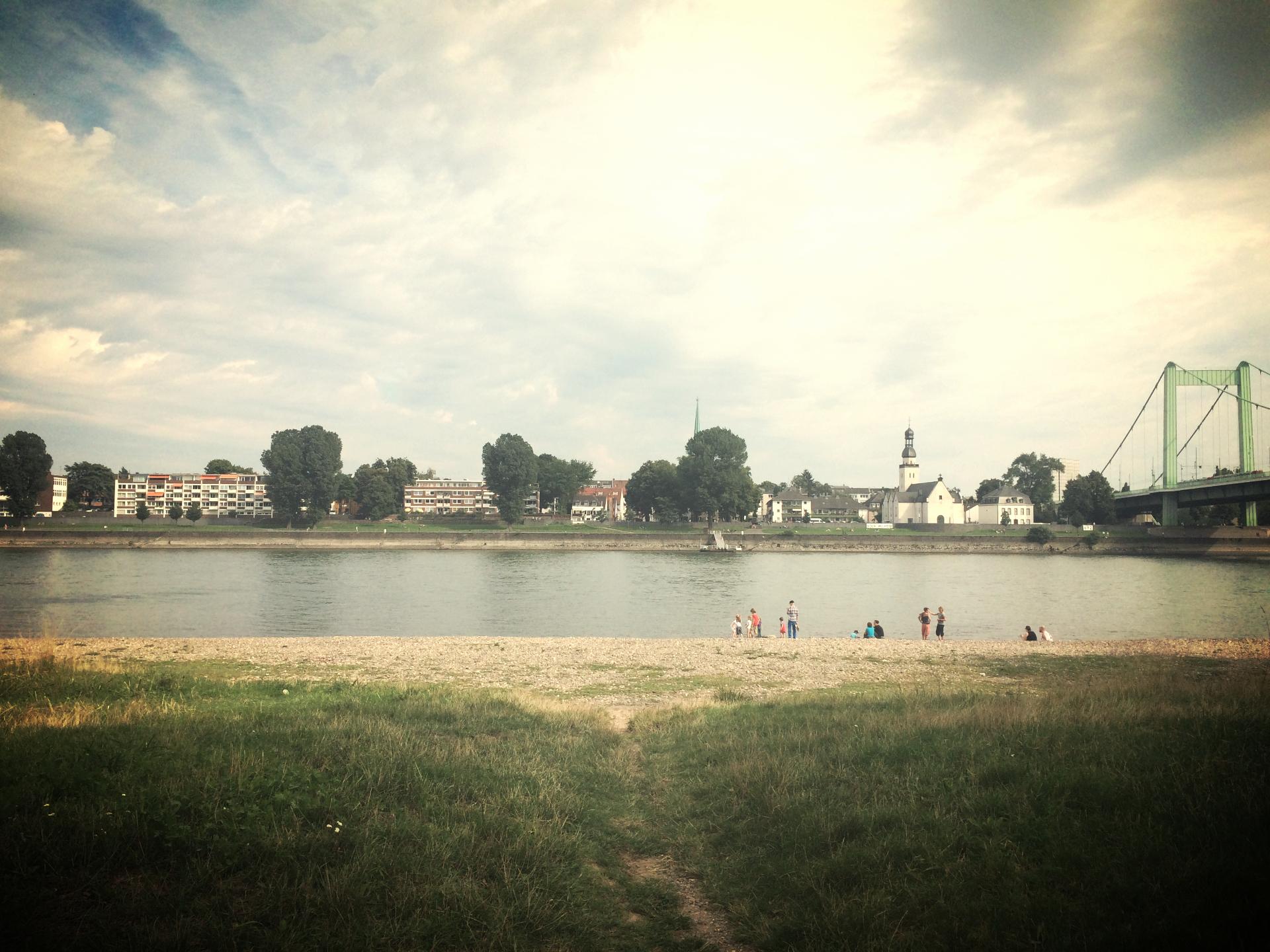 Blick von der anderen Rheinseite