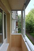 Внутренняя отделка балкона. Деревянная вагонка и деревянный пол в Красноярске