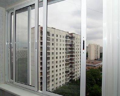 Остекление лоджий раздвижным алюминиевыми окнами в Красноярске