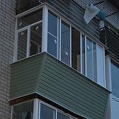 Остекление AL балкона с выносом в хрущёвке в Красноярске