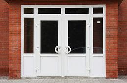 Входная группа ПВХ с пластиковыми дверьми на заказ от производителя в Красноярске