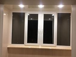 Теплое окно ПВХ с 2 створками в лоджию с отделкой в Краснорске