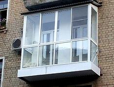 Установка французских балконов в сталинках алюминиевым остеклением в Красноярске