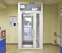 Пластиковые и алюминиевые входные двери с тамбуром на заказ от производителя в Красноярске