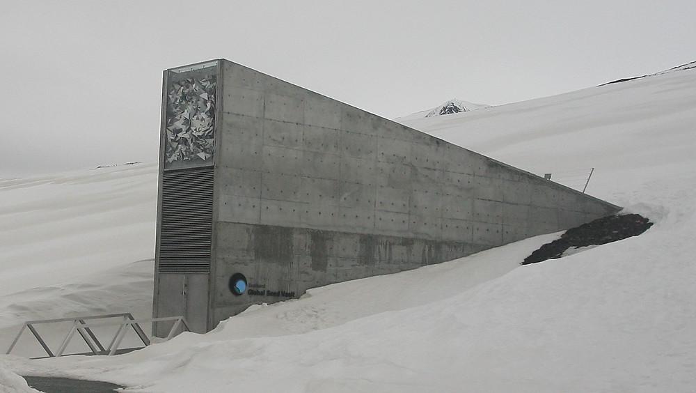 Réserve mondiale de semence du Svalbard, un bunker novegien pour stocker les semences en cas de catastrophe