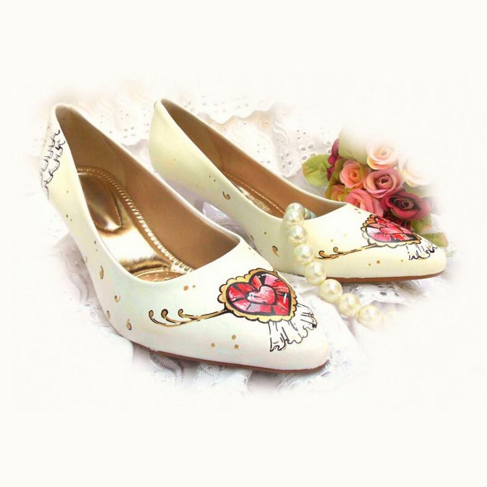 Seu sapato de noiva deve refletir sua personalidade e é tão importante quanto o vestido.
