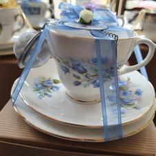 Vintage blue flower trio