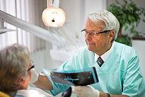 Zahnersatz auf die Zahnimplantate - Dr Peter Csipkay Sopron Ungarn