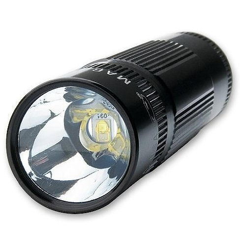 Mag LED XL200 Negra 3AAA - Blister - XL200-S3016