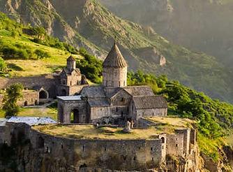 2019-11-12_Armenia_400x267.jpg