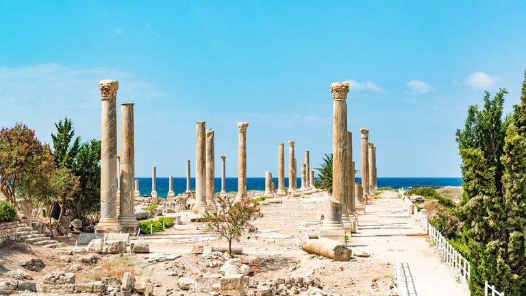 shutterstock_500017828-al-mina-archaeolo