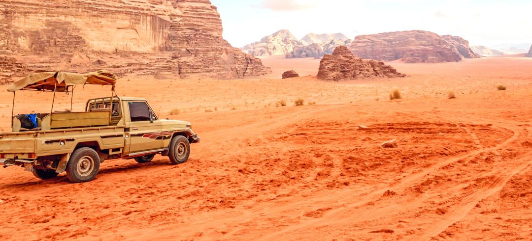 tour-aqaba-jeep-wadi-rum.jpg