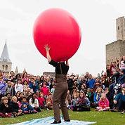 Giant Balloon Show by Dizzy O'Dare