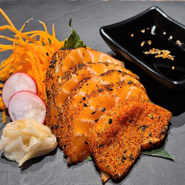 Seared sashimi 1.jpg