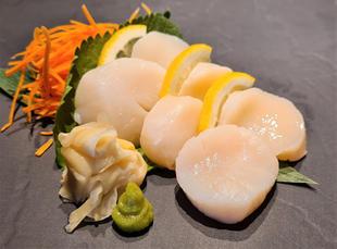 Sashimi scallop 1.jpg