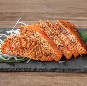 121574_SakuraYakiniku_Food_SalmonSearedS