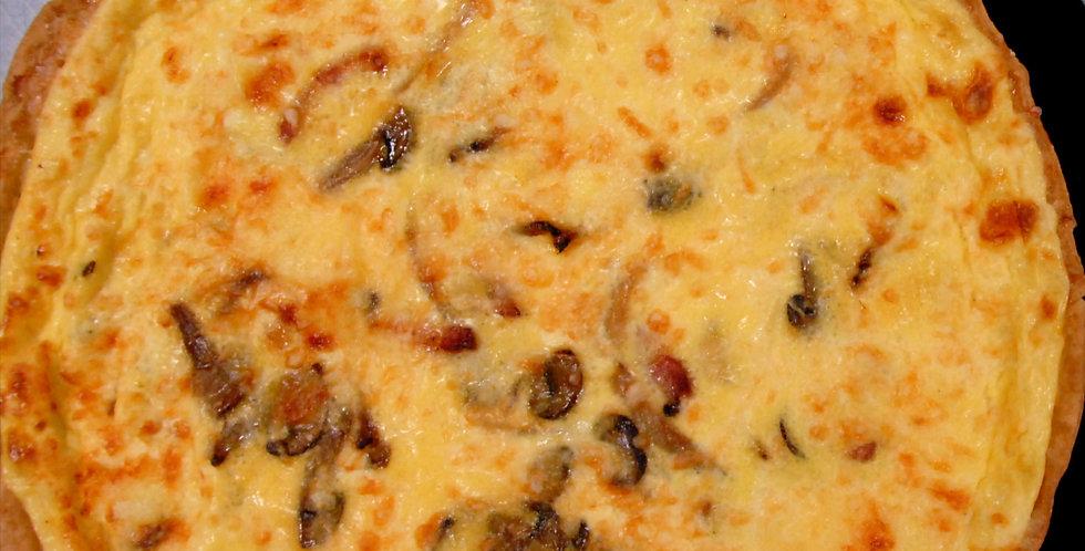 Tarte sans gluten : oignons, champignons, lardons. 4 personnes