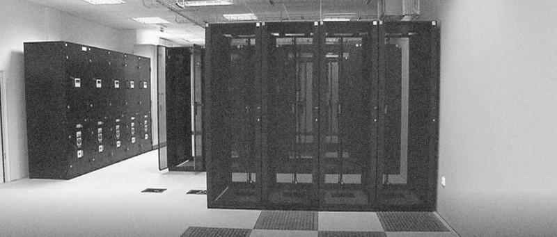 Datové centrum (zdroj: ceskatelevize.cz/ct24/media/1186459-radiokomunikace-nabizeji-v-prostorach-zizkovskeho-vysilace-datove-centrum