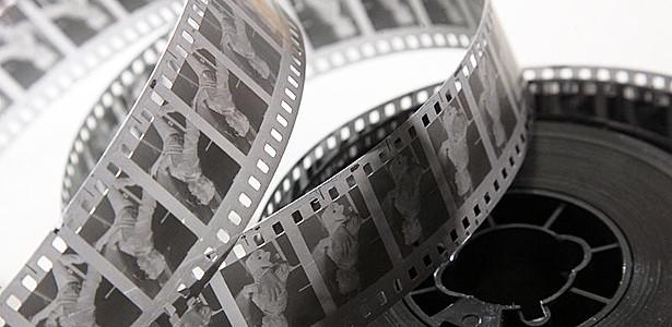 35mm filmový pás (zdroj: theatlantic.com)