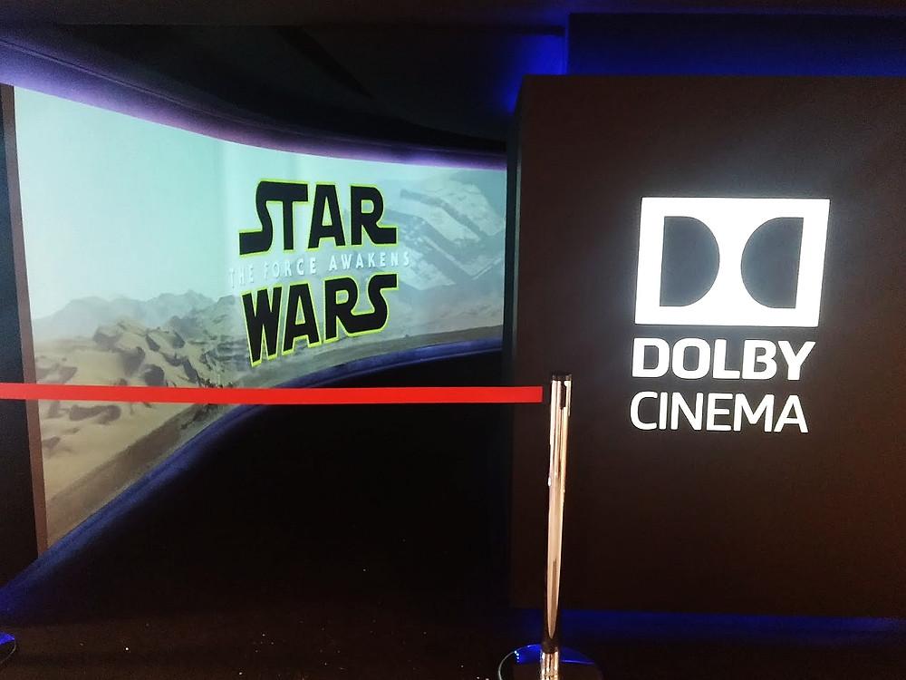 Vstupní hala do Dolby Cinema