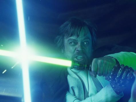 Zajímavé motivy jsou vnových Star Wars zastiňovány dějovými lapsy