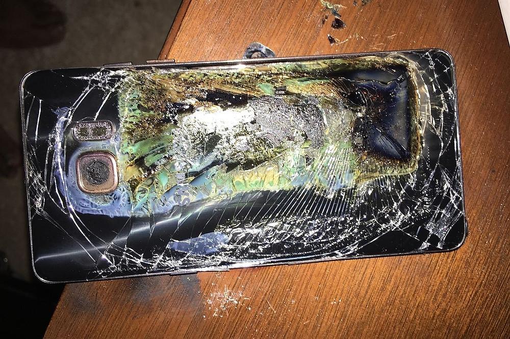 Samsung Galaxy Note 7 po vznícení baterie (zdroj: TheVerge.com)