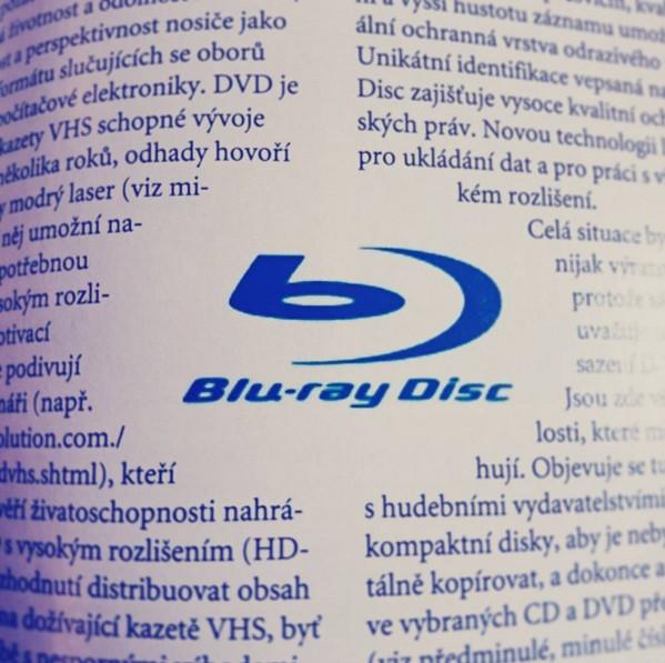 Stereo & Video 4/2002  CES Las Vegas. Jedna z prvních zmínek o Blu-ray formátu v českých periodicích