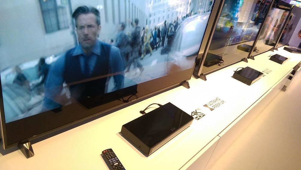 Panasonic DMP-UB700 (zdroj: twitter SteveMay_UK)