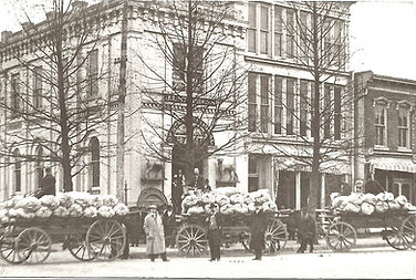 Load of apples on Main St._.jpg